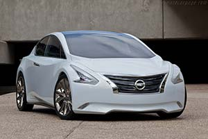 Click here to open the Nissan Ellure Concept gallery