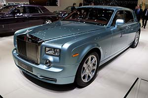 Click here to open the Rolls-Royce 102EX Concept gallery