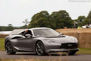 Click here to open the Infiniti Emerg-E Concept gallery