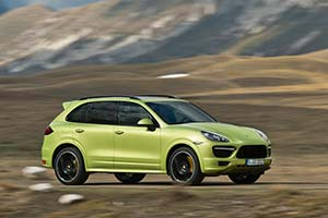 Click here to open the Porsche Cayenne GTS gallery