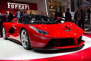 Click here to open the Ferrari LaFerrari gallery