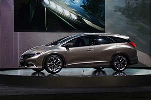 Click here to open the Honda Civic Tourer Concept gallery