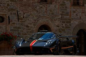 Click here to open the Pagani Zonda Revolucion gallery