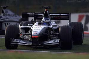 Click here to open the McLaren MP4-16 Mercedes gallery