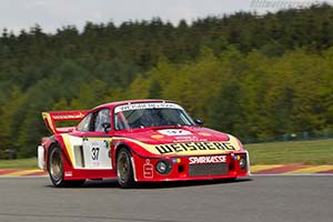 Click here to open the Porsche 935/77A gallery