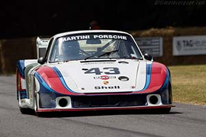 Click here to open the Porsche 935/78 'Moby Dick' gallery