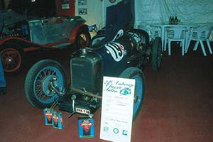 Click here to open the Amilcar C6 gallery
