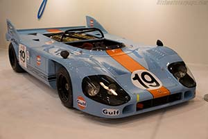 Click here to open the Porsche 917/10  gallery