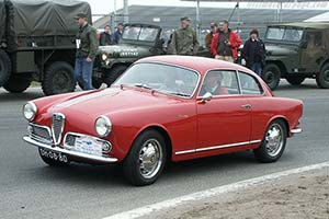 Click here to open the Alfa Romeo Giulietta Sprint Veloce gallery